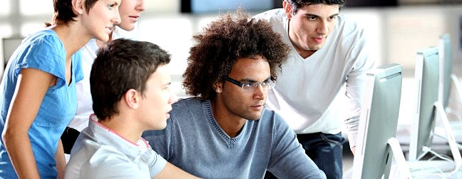 students_work_computer_screen_0
